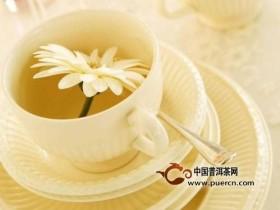 日常生活中适时地享受上一盏淡雅清香的花草茶