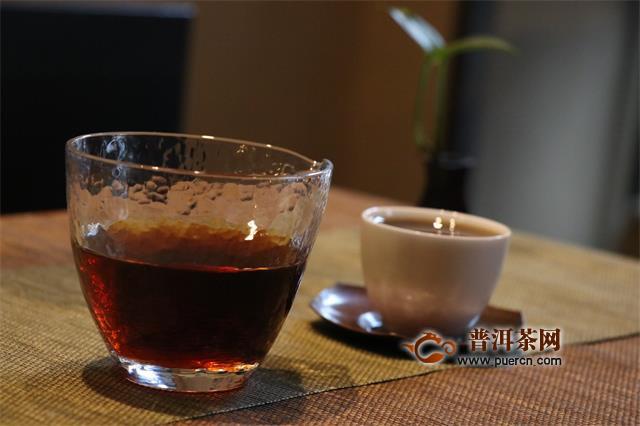 """""""养生茶""""到底应该怎幺喝?一天3个喝茶最佳时刻"""