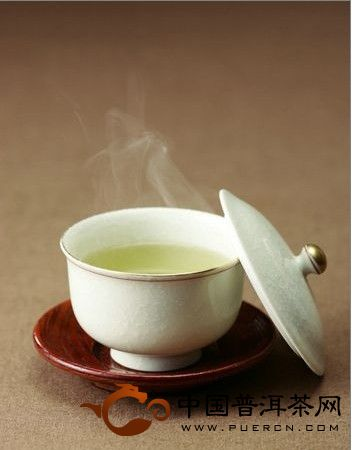 空腹喝绿茶,对肠胃保健不利