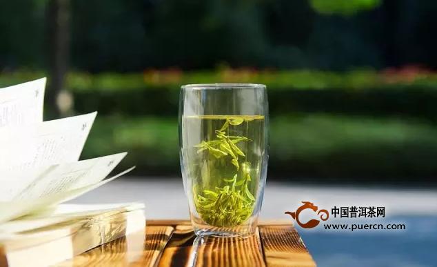 春季适当饮茶,可以起到清肠、暖胃、养肝的作用