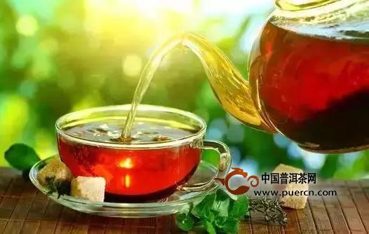 """越来越多的朋友喜欢喝茶,但茶也有一些禁忌,称为""""七不饮"""",下"""