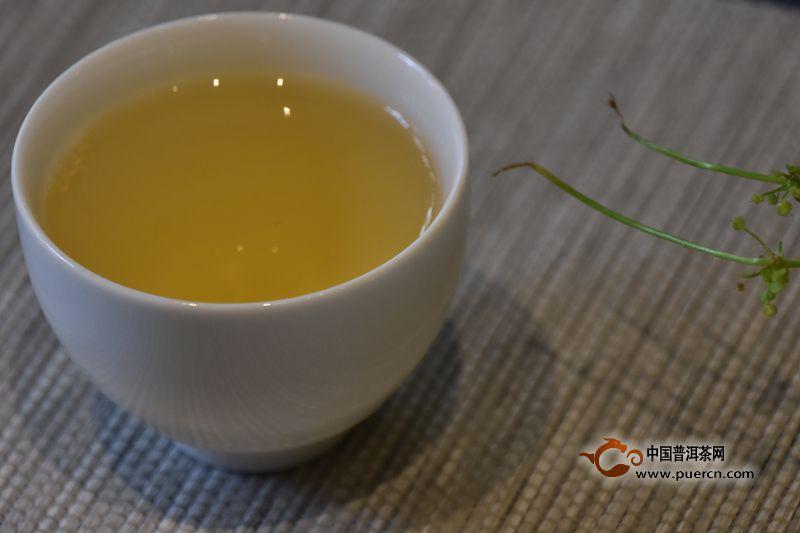 辨别普洱茶香气的方法和技巧