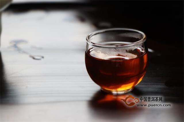 茶树鲜叶中有几百种芳香类物质